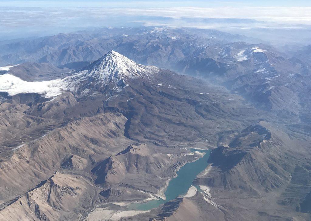 قله زیبای دماوند نماد ملی ایران زمین
