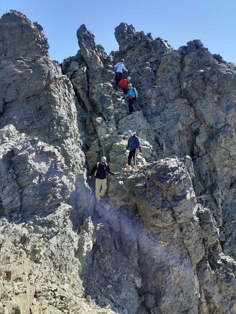 صعود به علم کوه