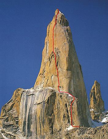 ارهارد لورتان ، (1959-2011) Erhard Loretan ، کوهنورد سوییسی ، شناخته شده به عنوان یکی از بهترین کوهنوردان در تمامی زمانها. یک لخت نورد در شب!