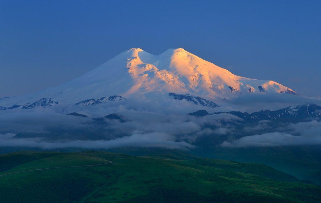 بلندترین قله قاره اروپا