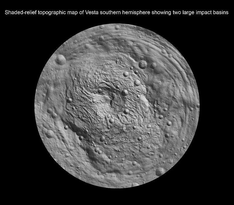 بلندترین کوه منظومه شمسی در کره زمین قرار ندارد بلکه آنرا بایستی در دور دست و در یک سیارک جستجو کرد. سالها قبل المپیوس مونز کوه آتشفشانی مریخ به عنوان بلندترین کوه در این منظومه شناخته می شد اما حالا این مقام به ریا سیلوا تعلق گرفته است. در واقع ریا سیلوا امروز به عنوان بلندترین کوه در اطراف خورشید شناخته می شود.