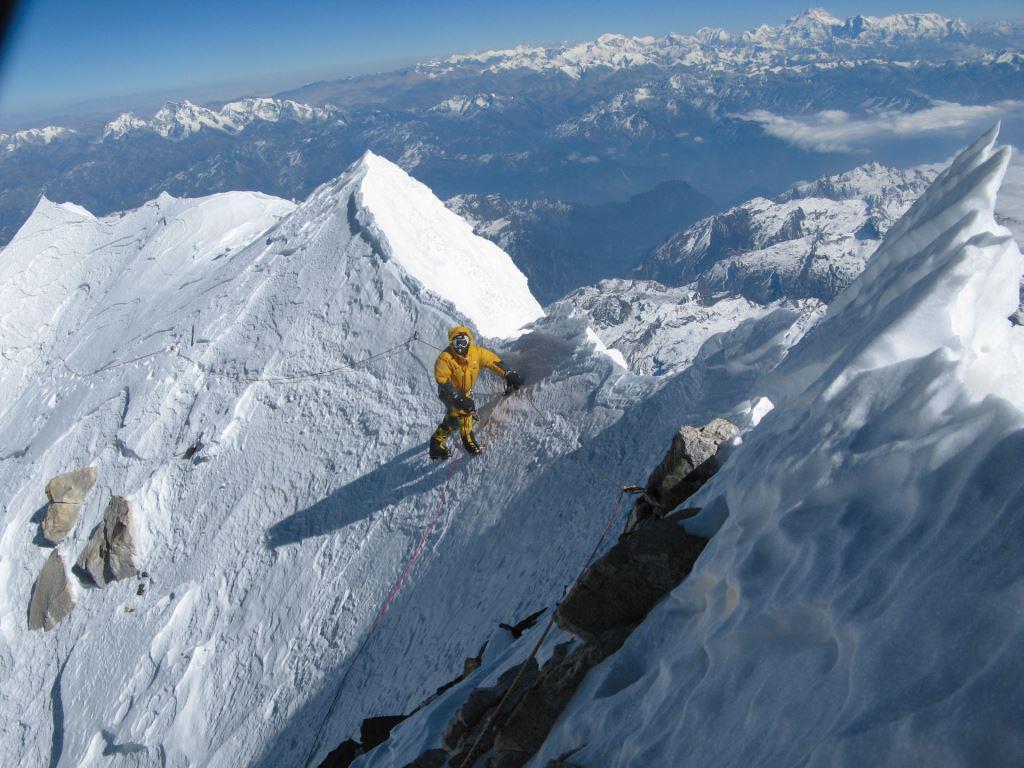 زمستانی ماکالو - موج کوه