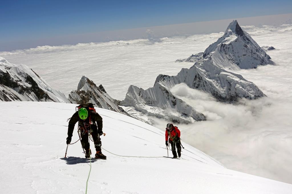 گزارش صعود کوهنوردان کره ای به قله گانگاپورنا در هیمالیا به سبک سبک بار