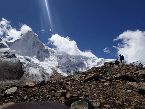 صعود رخ شمالی تالایی ساگار مسیر MOVABLE FEAST ، نوشته گولوچنکو صعود در سال 2016.