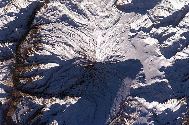 ارتفاع قله دماوند