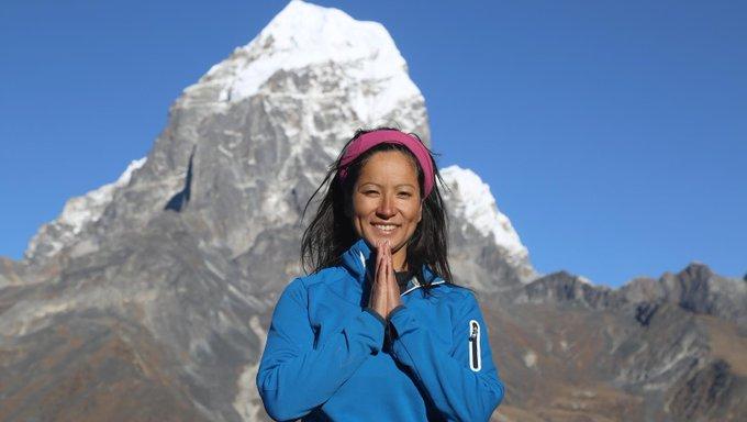 اولین گروه کوهنوردان، قرنطینه خود را در کاتماندو به پایان رسانده و آماده شروع فعالیت و هم هوایی هستند. همه اروپایی ها باید پنج-شش روز قرنطینه شوند و سپس دومین تست خودشان را انجام دهند. اگر همه چیز خوب باشد، آنها می توانند آزادانه در سراسر نپال فعالیت کنند.