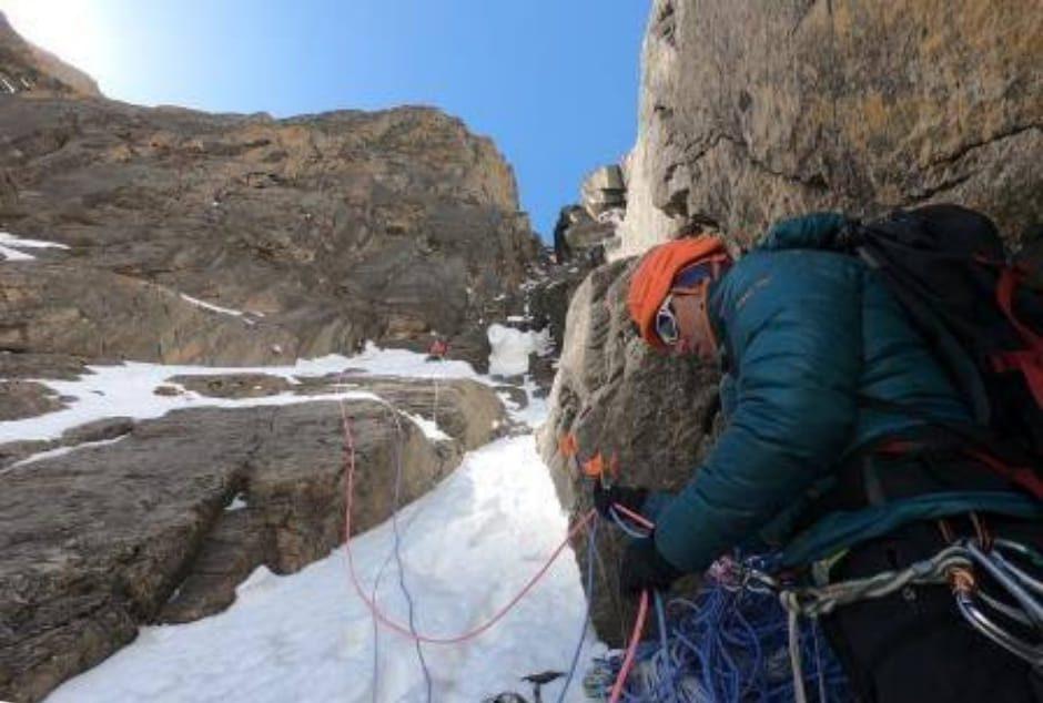پس از تلاش ناموفق دیروز به علت کافی نبودن طناب به منظور ثابت کشی مسیر بالاتر از 7400 متر، کوهنوردان حاضر در آناپورنا سرانجام در دومین تلاش خود به قله رسیدند.