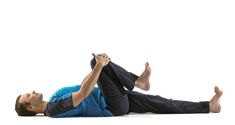 انجام تمرینات مربوط به سرد کردن و کشش احتمال آسیب دیدگی را کاهش می دهد، باعث افزایش جریان خون شده و استرس قلب و عضلات را نیز کم می کند. توجه داشته باشید، قبل از انجام فعالیت های معمول و بعد از تمرین، ضربان قلب، درجه حرارت بدن و فشار خود را به حد طبیعی برگردانید.
