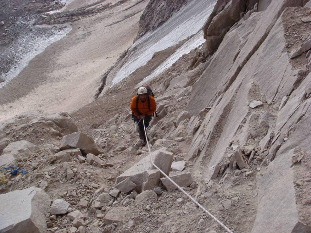 مسیر تبریزی ها - علم کوه - موج کوه