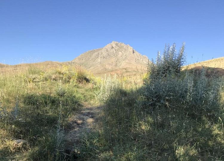 قله آلماقلاغ - کوهنوردی در همدان